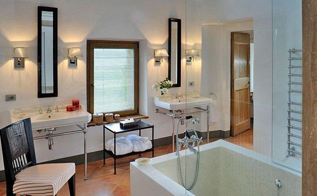 Il Bagno d'Italia (Italian Bathroom) -Villa Style.